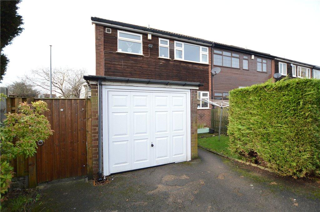 3 Bedrooms Town House for sale in West End, Off Church Street, Gildersome, Leeds