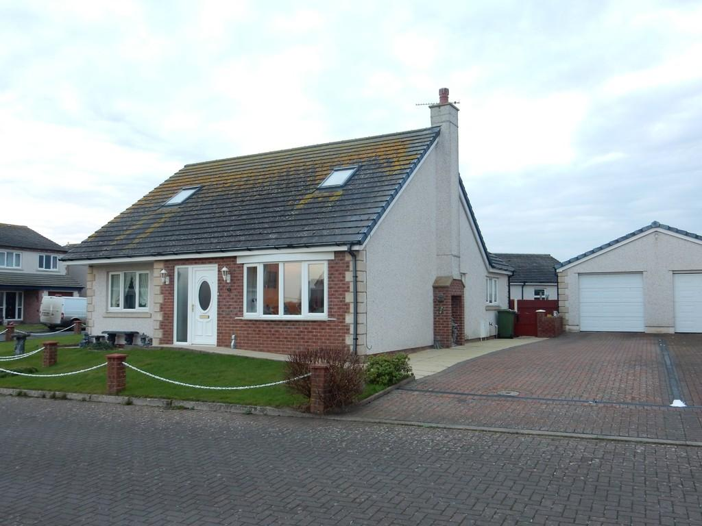 3 Bedrooms Detached House for sale in Acre Bank Close, Skinburness