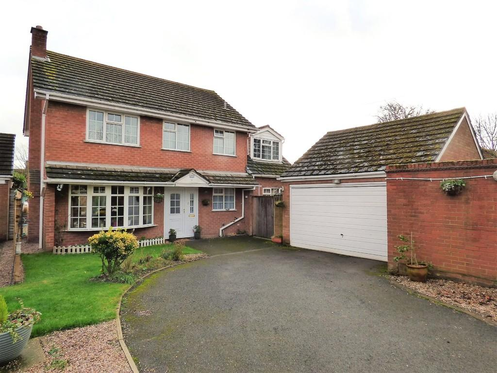 4 Bedrooms Detached House for sale in Croft Close, Elford, Staffordshire