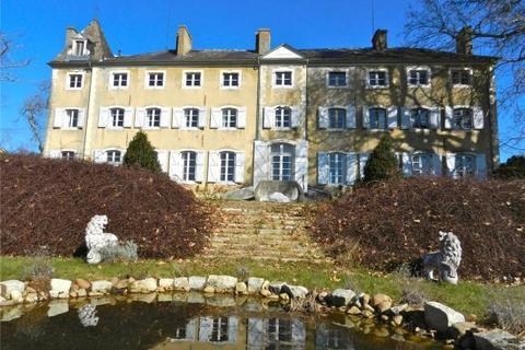 6 bedroom house  - Historic Chateau, North Of Pau, Pyrenees Atlantiques