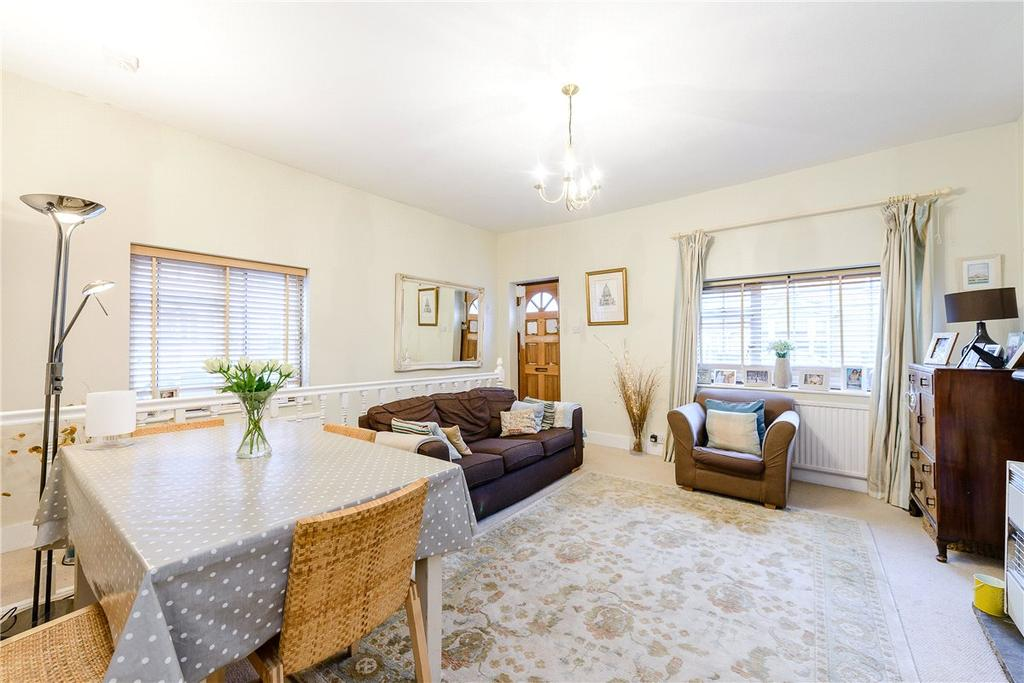 2 Bedrooms Terraced House for sale in Fairfield Road, Winchester, Hampshire, SO22