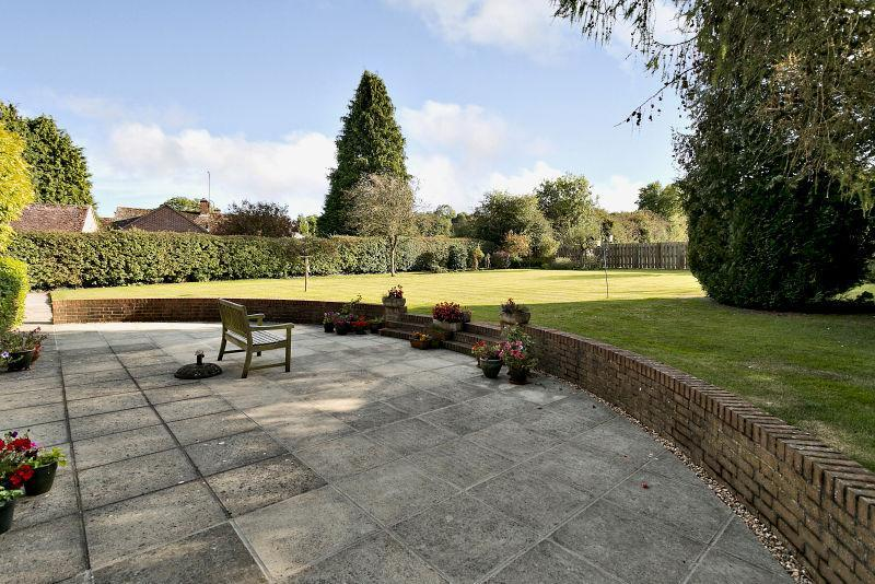 4 Bedrooms Detached House for sale in Newtown, Hungerford, Berkshire, RG17