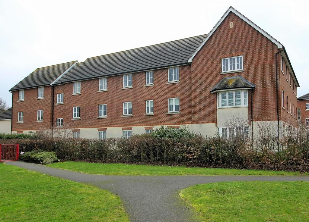 2 Bedrooms Apartment Flat for sale in Baden Powell Close, Great Baddow, Chelmsford, Essex, CM2