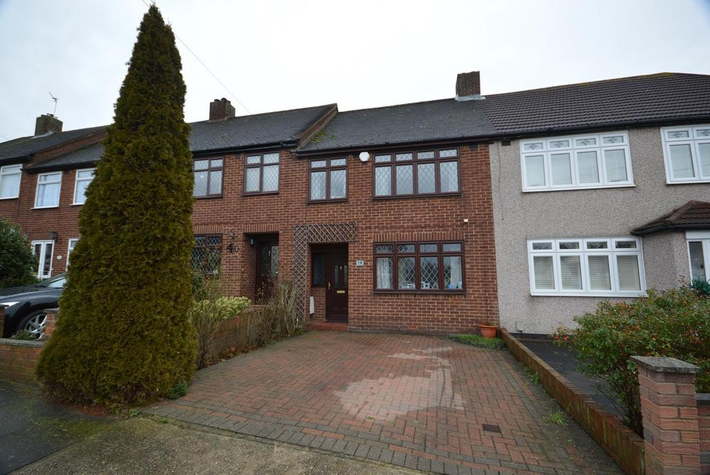 3 Bedrooms Terraced House for sale in Merlin Road, Collier Row, Romford, RM5
