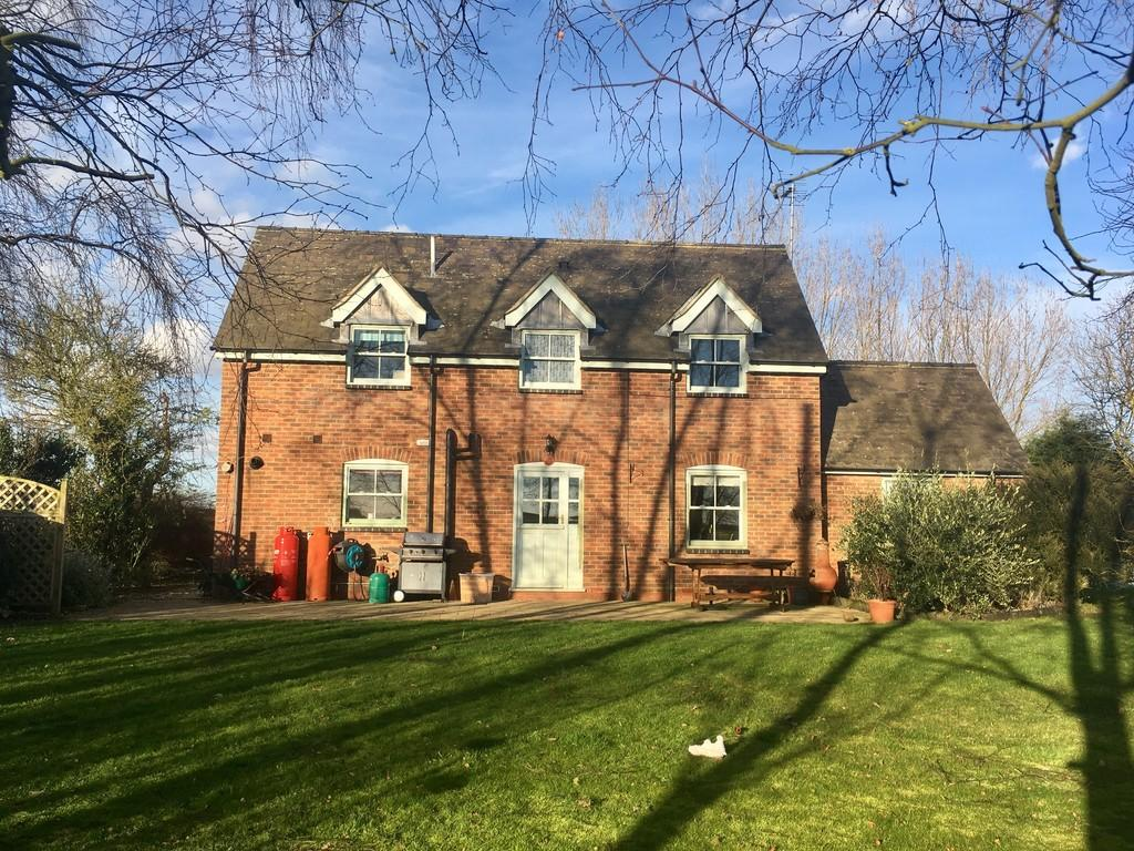 3 Bedrooms Detached House for sale in Dowsby, Nr Bourne
