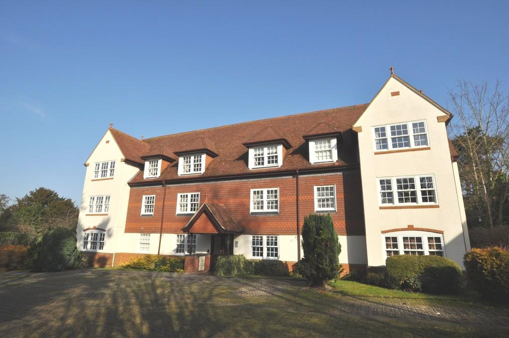 2 Bedrooms Apartment Flat for sale in Cranley Road, Guildford