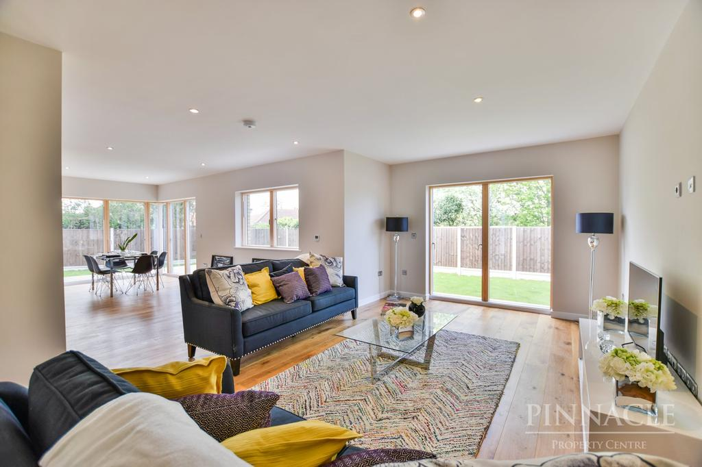 4 Bedrooms Detached House for sale in 1 Highline, 1 Greencourt, Leigh On Sea, Essex