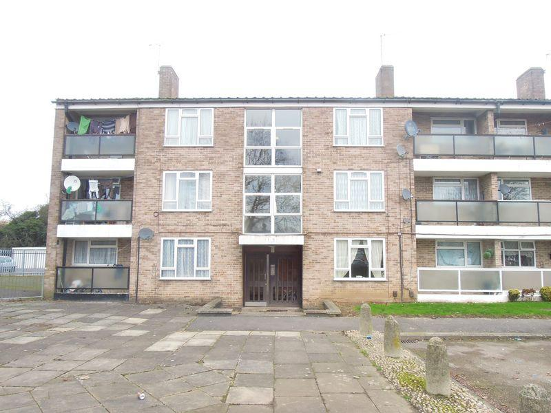 2 Bedrooms Apartment Flat for sale in Maryside, Langley.