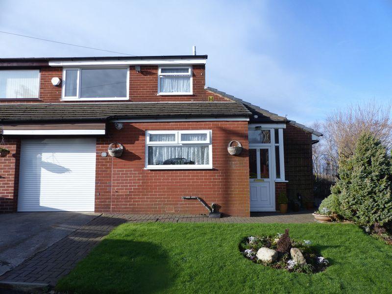 4 Bedrooms Semi Detached House for sale in Ashdene Rise, Moorside