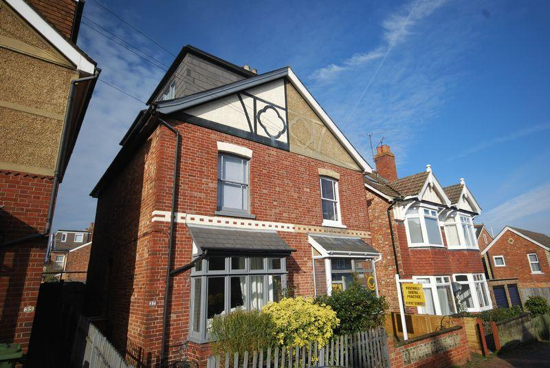 4 Bedrooms Semi Detached House for sale in Meadow Road, Rusthall