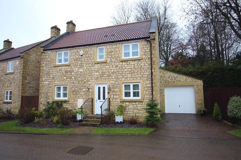 3 Bedrooms Detached House for sale in Aumery Gardens, High Littleton, Bristol