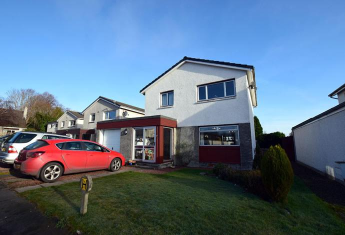 3 Bedrooms Detached House for sale in 10 Ormiston Grove, Melrose, TD6 9SR