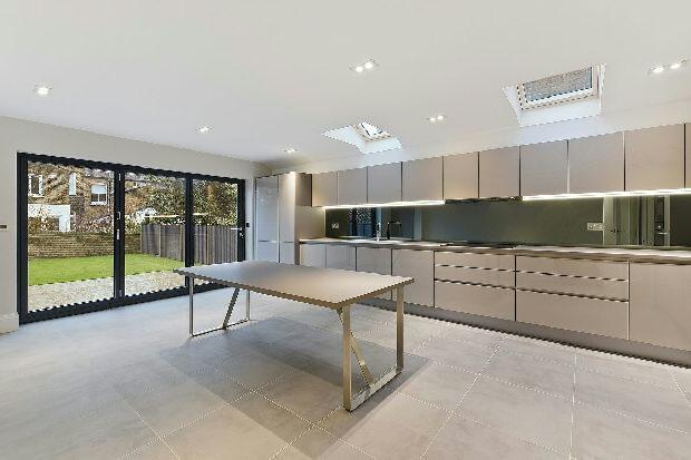 4 Bedrooms Terraced House for sale in PROSPERO ROAD Whitehall Park N19 3RF