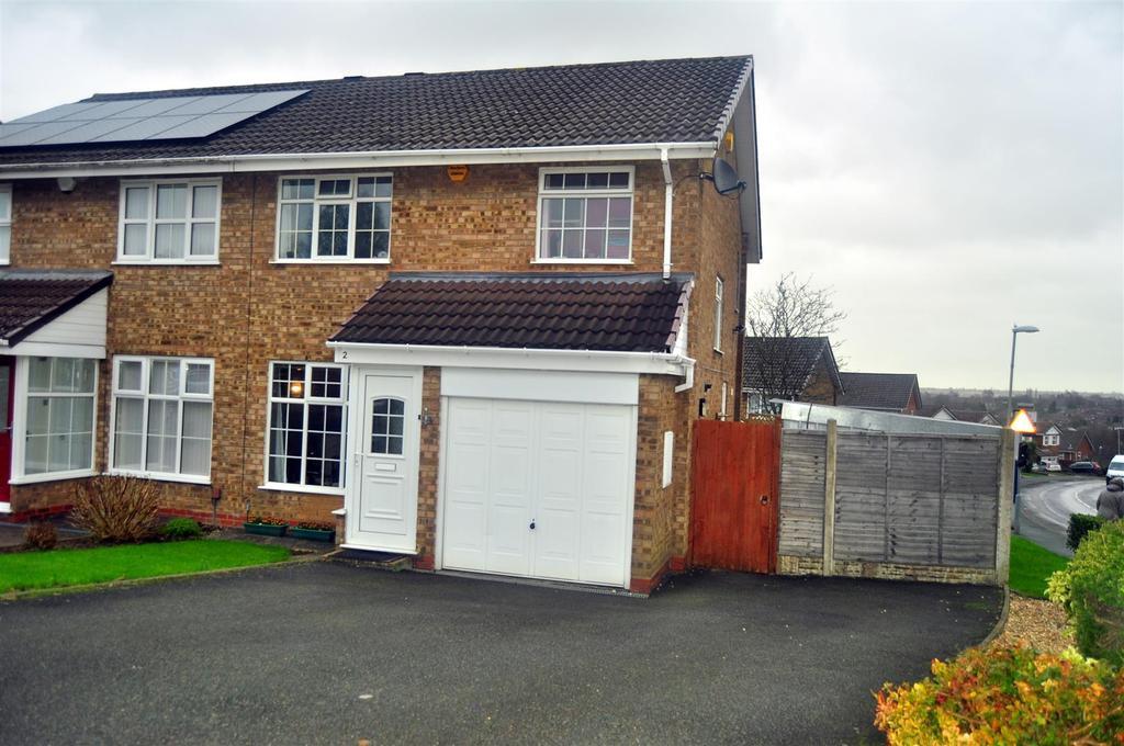 3 Bedrooms Semi Detached House for sale in Hambleton Road, Halesowen