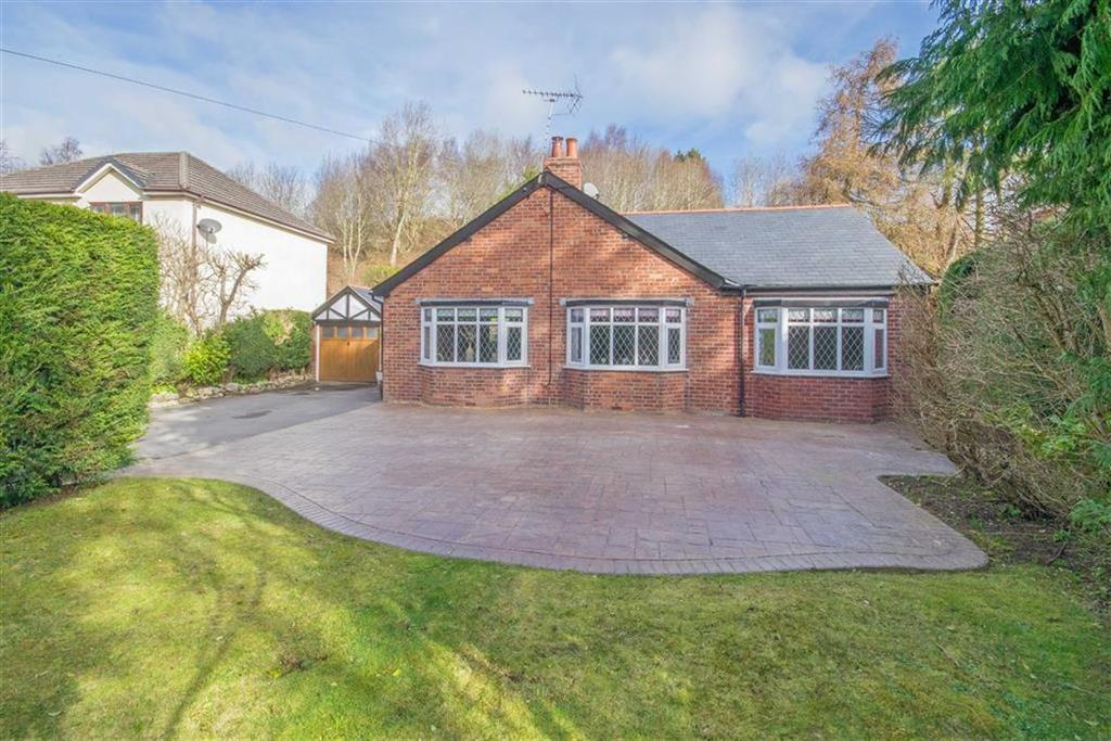 4 Bedrooms Detached Bungalow for sale in Ruthin Road, Gwernymynydd, Mold