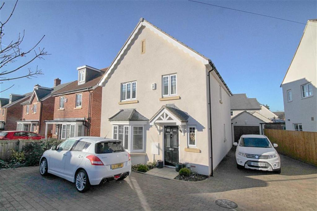 4 Bedrooms Detached House for sale in Bouncers Lane, Prestbury, Cheltenham, GL52