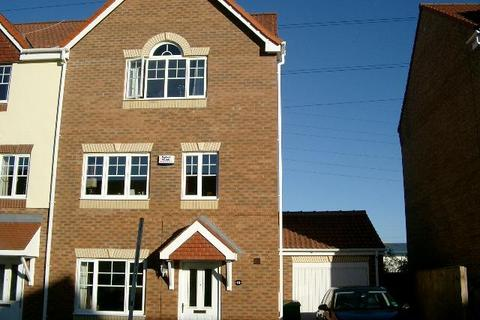 6 bedroom townhouse to rent - BECKETT DRIVE, OSBALDWICK