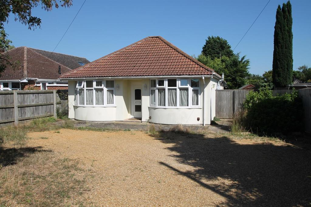 3 Bedrooms Detached Bungalow for sale in Folly Road, Mildenhall
