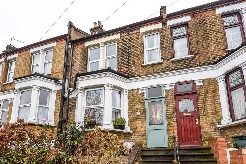 3 Bedrooms Terraced House for sale in Dallin Road, Shooters Hill, SE18