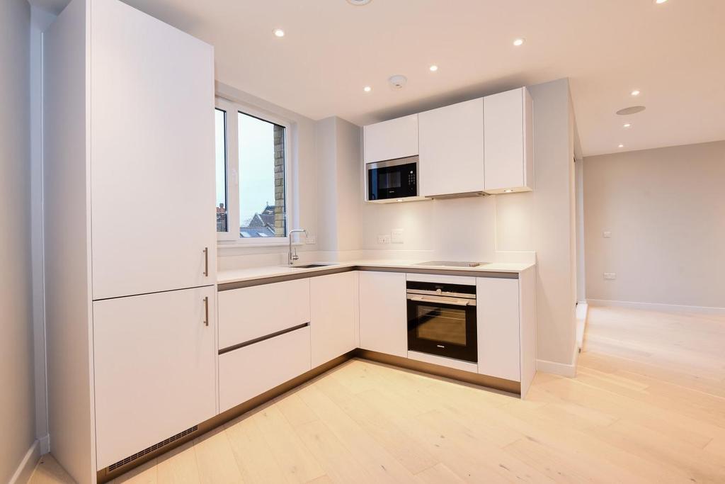 2 Bedrooms Flat for sale in Haydon Park Road, Wimbledon, SW19