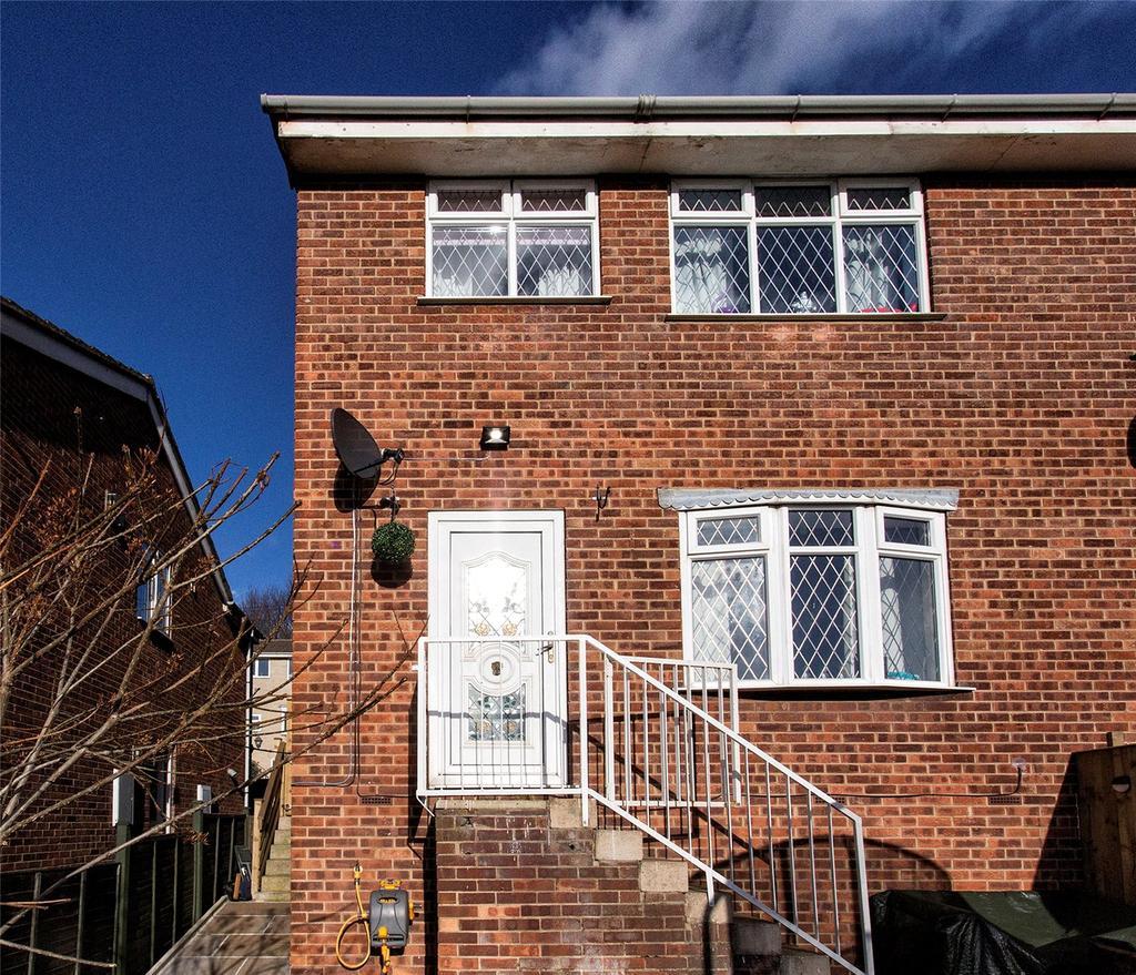 3 Bedrooms Semi Detached House for sale in Walkley Lane, Heckmondwike, West Yorkshire, WF16