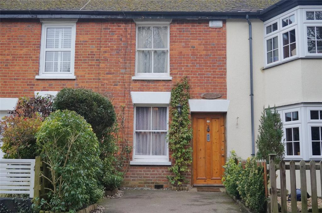 2 Bedrooms Terraced House for sale in Woodbine Cottages, Southside, Chalfont St Peter, Gerrards Cross