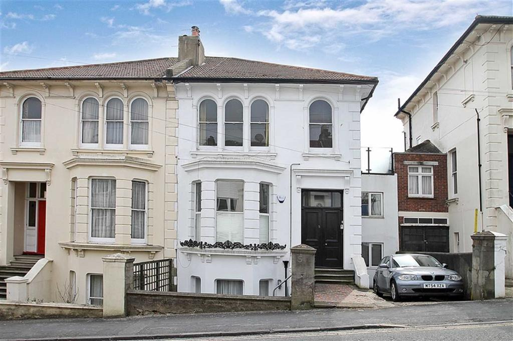 2 Bedrooms Flat for sale in Old Shoreham Road, Brighton