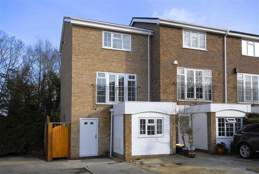 3 Bedrooms Town House for sale in Ullswater Close, Bromley, Kent