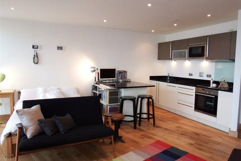 Studio to rent - Candle House, Wharf Approach, Leeds, West Yorkshire, LS1