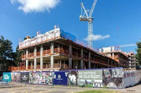 1 Bedroom Flat for sale in St Bernard's Gate, Uxbridge Road, London, UB1