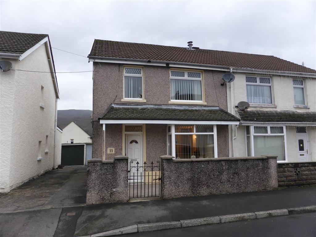 3 Bedrooms Detached House for sale in 11 Cedar Street, Cwmgwrach, Glynneath