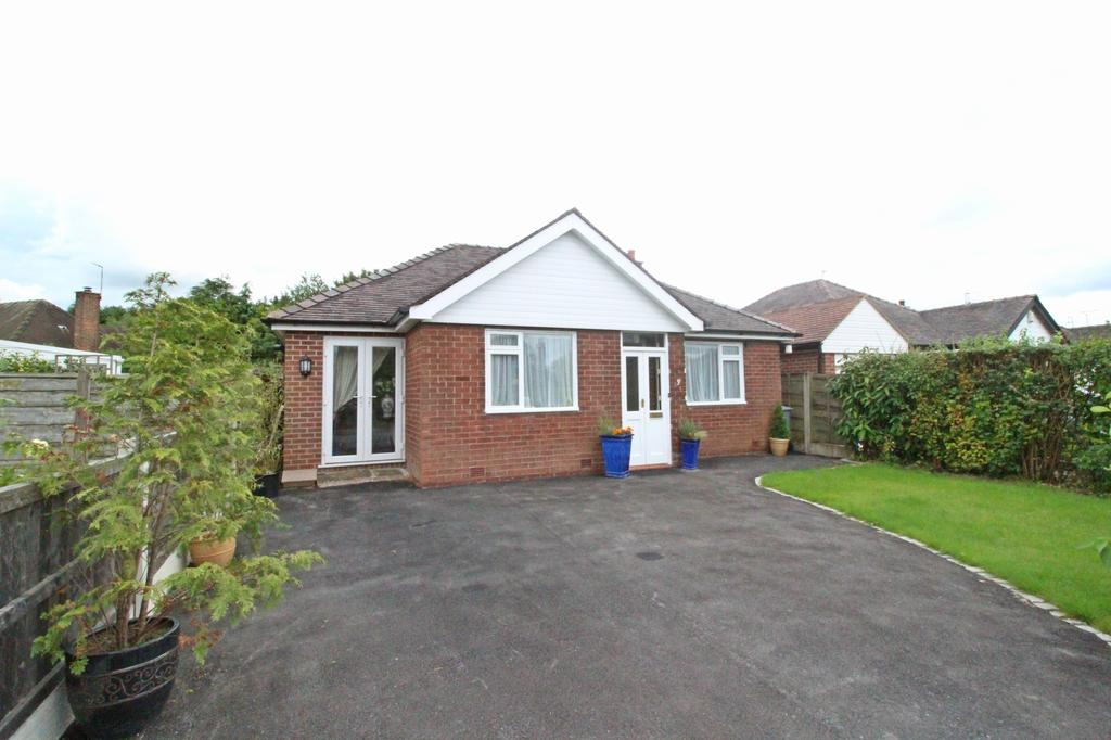 3 Bedrooms Detached Bungalow for sale in POYNTON (GLENFIELD DRIVE)