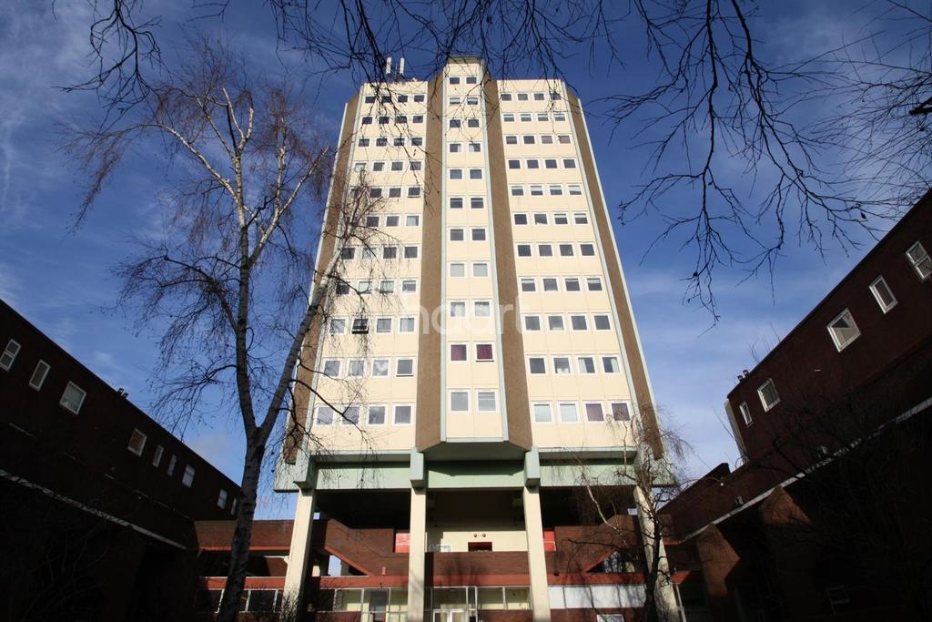 2 Bedrooms Flat for sale in Woodford Green