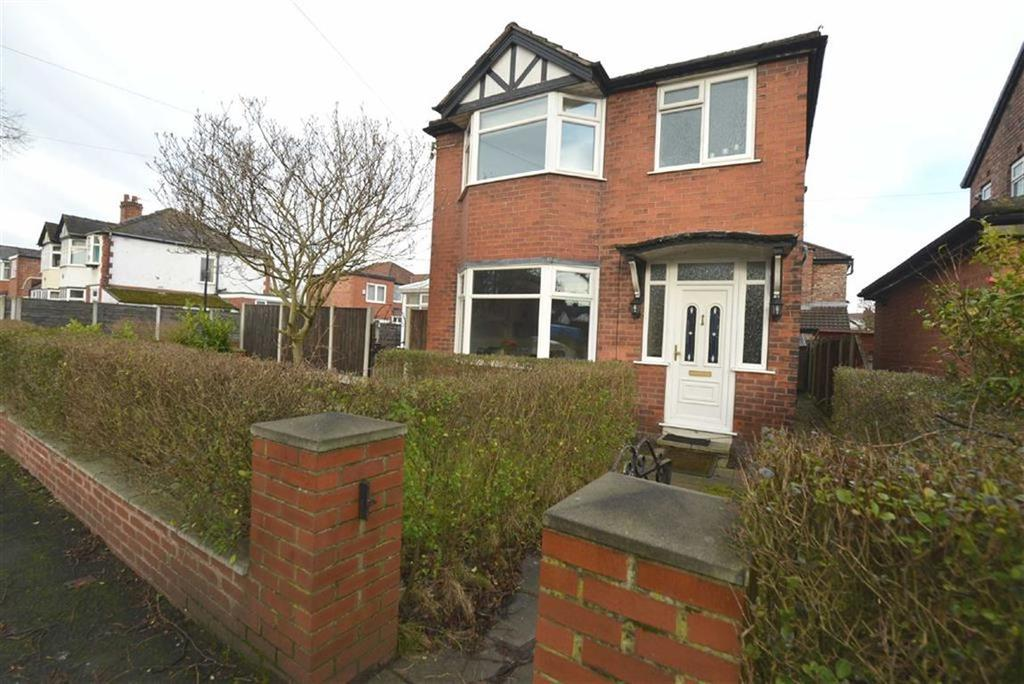 3 Bedrooms Detached House for sale in Wyndcliff Drive, Manchester