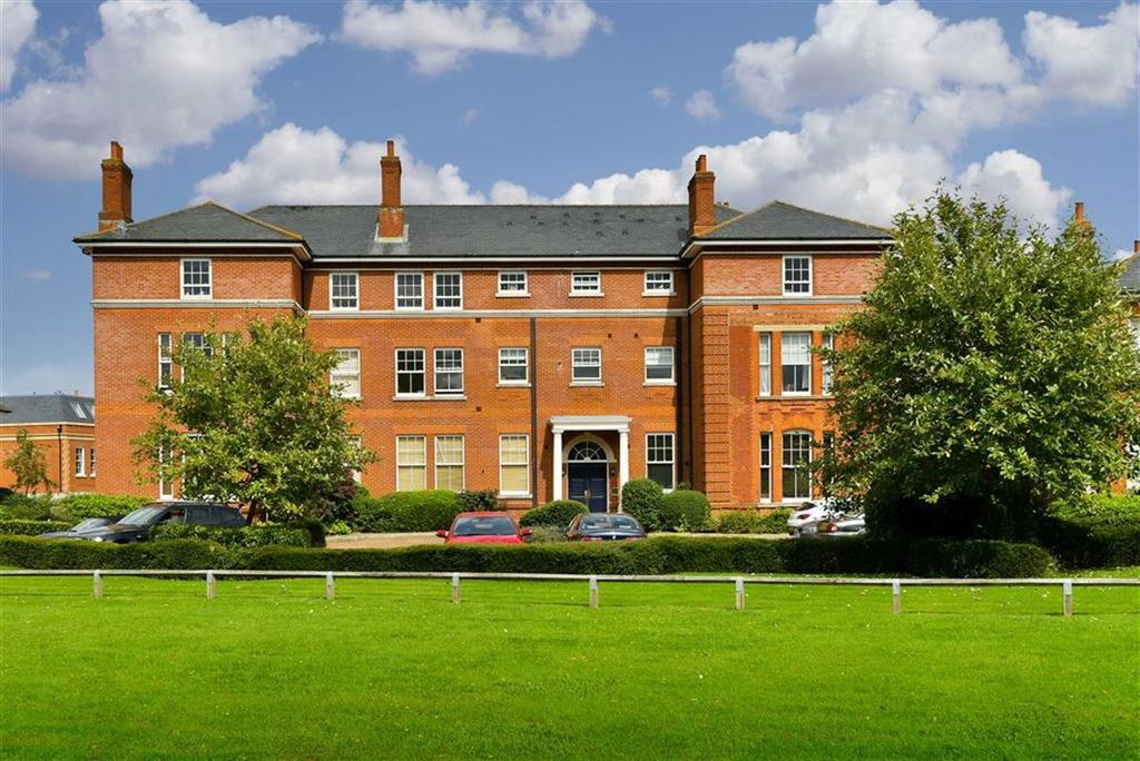 2 Bedrooms Flat for sale in Canterbury House, Epsom, Surrey