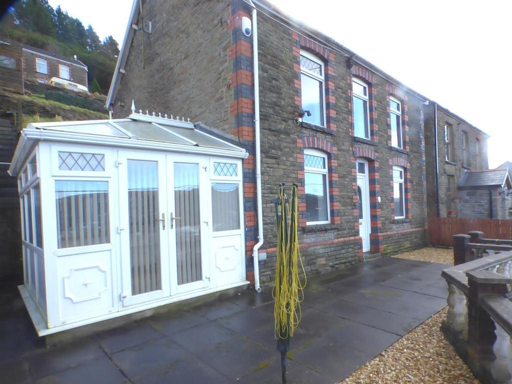 3 Bedrooms Detached House for sale in Dyffryn Road, Pontardawe, Swansea