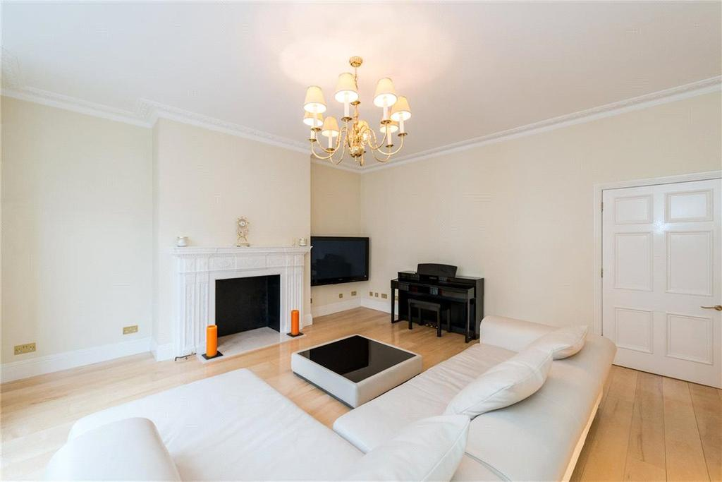3 Bedrooms Flat for sale in Bickenhall Mansions, Bickenhall Street, Marylebone, London, W1U