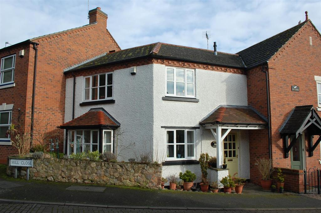 2 Bedrooms Terraced House for sale in Mill Close, Birstall