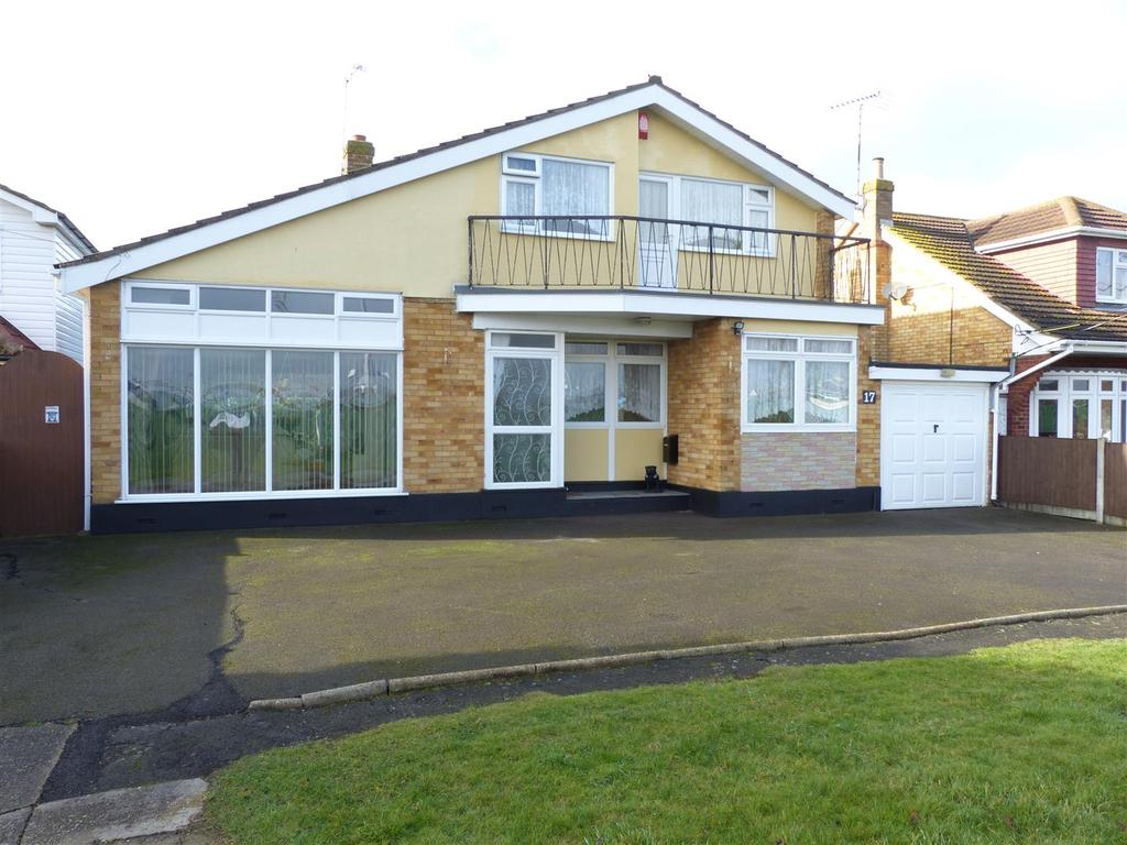 4 Bedrooms Chalet House for sale in Park Road, Canvey Island