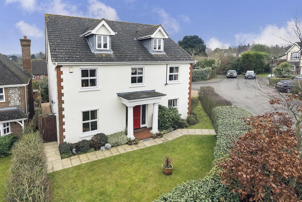 5 Bedrooms Detached House for sale in Hotham Close, Swanley Village, BR8