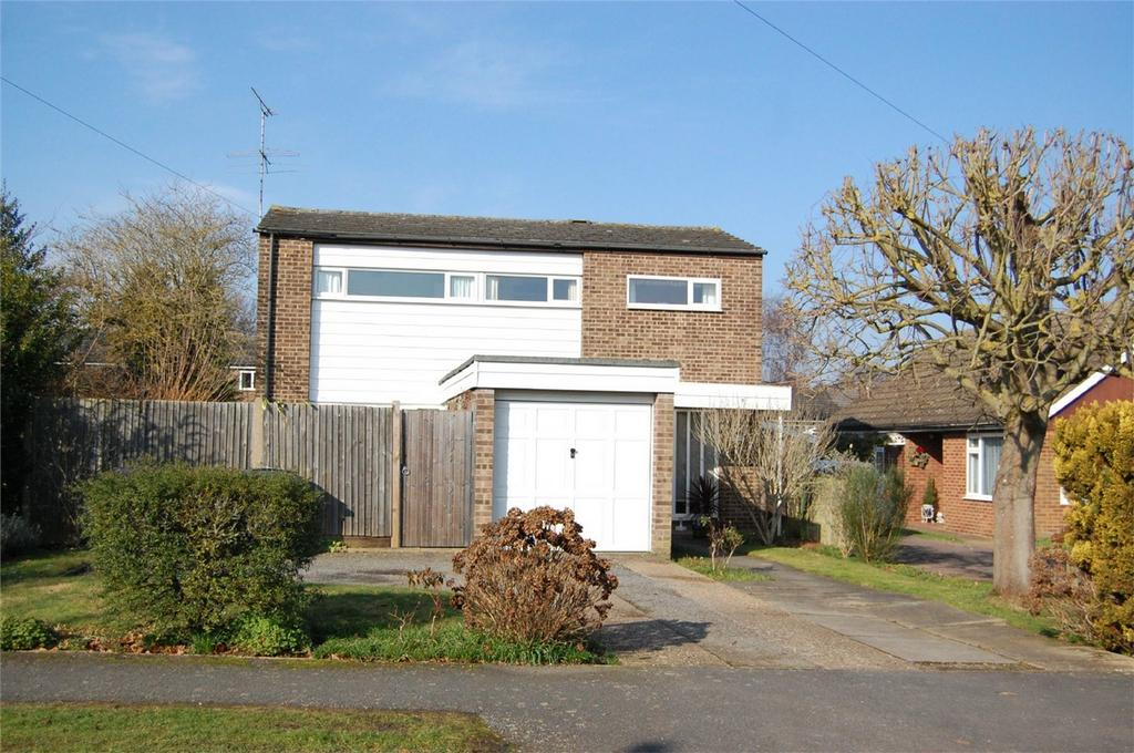 4 Bedrooms Detached House for sale in Hornbeam Spring, Knebworth, Herts
