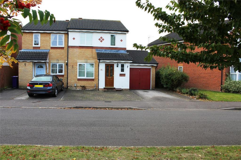3 Bedrooms Semi Detached House for sale in Sale Drive, Clothall Common, Baldock, Hertfordshire