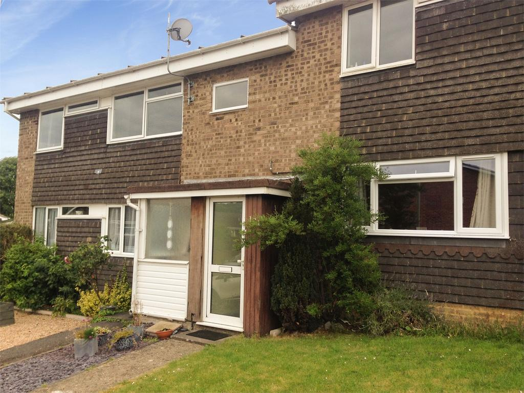 2 Bedrooms Maisonette Flat for sale in Wooteys Way, Alton