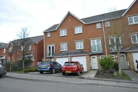3 bedroom terraced house for sale - 3 Clos Peiriant, Barry, The Vale Of Glamorgan. CF63 4QS