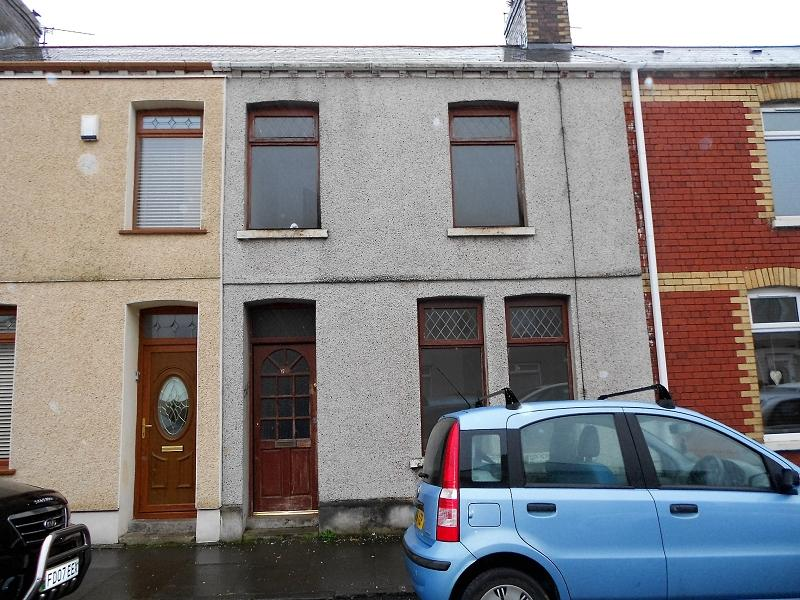2 Bedrooms Terraced House for sale in Pendarvis Terrace, Port Talbot, Neath Port Talbot.