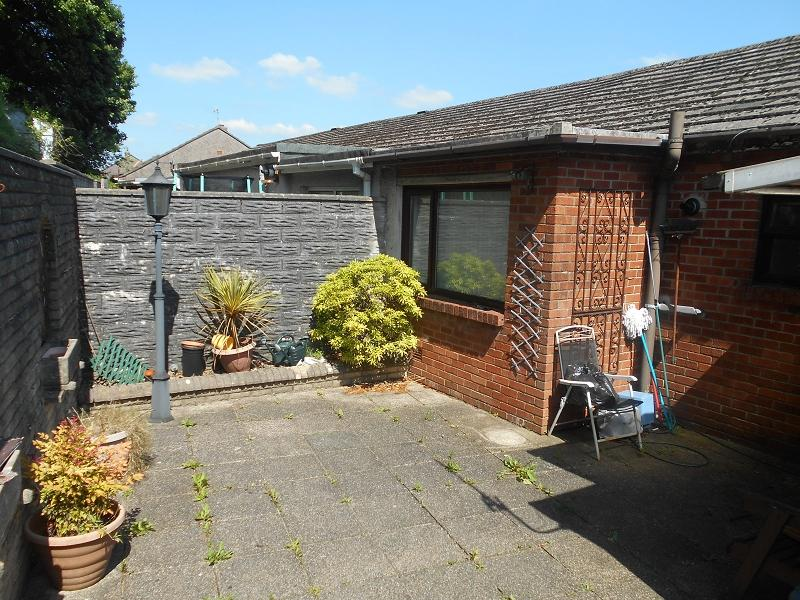 2 Bedrooms Terraced House for sale in Margaret Close, Briton Ferry, Neath, Neath Port Talbot.