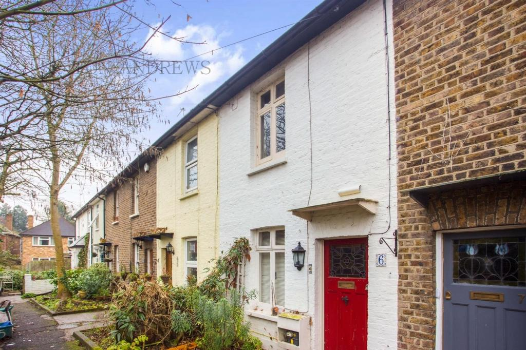 2 Bedrooms House for sale in Norwood Terrace, Norwood Green, UB2