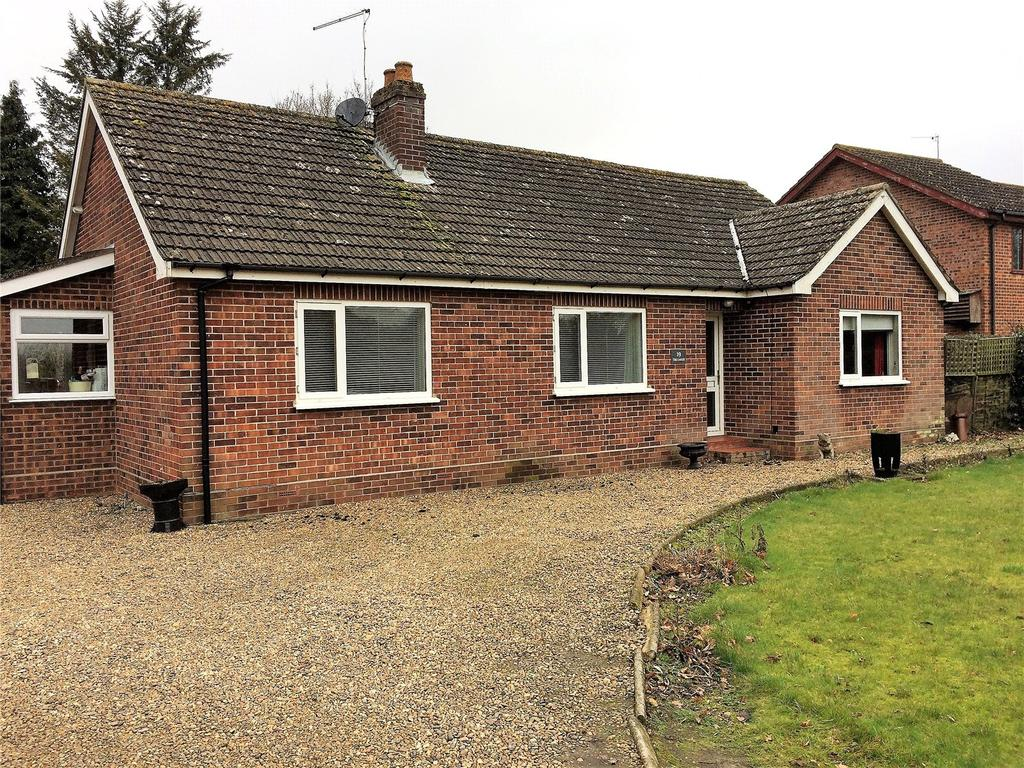 2 Bedrooms Bungalow for sale in Stratton Road, Hainford, Norwich