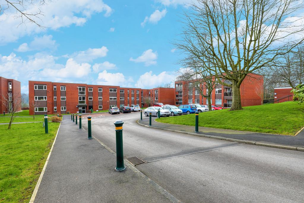 2 Bedrooms Apartment Flat for sale in 26 Storth Park, Fulwood, S10 3QH