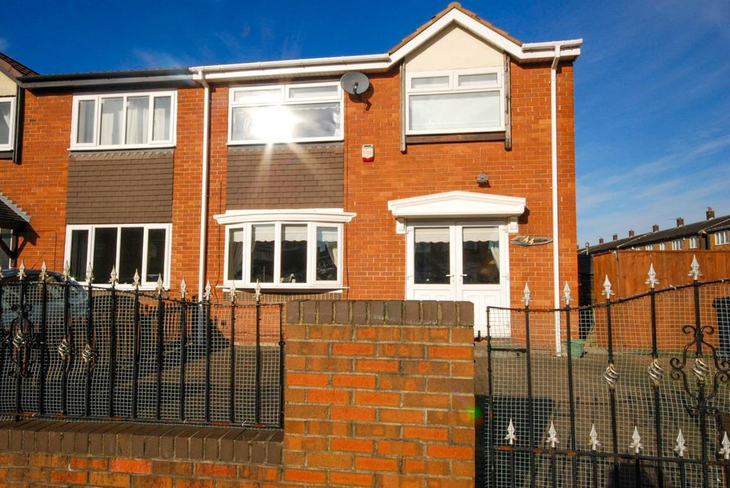 3 Bedrooms Semi Detached House for sale in Benfleet Avenue, Town End Farm
